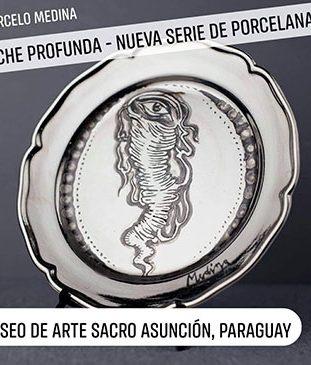 Antigua pieza de porcelana italiana cubierta de plata, pintada a mano y fijada a alta temperatura. 2018