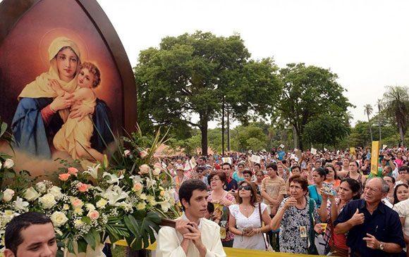 Los devotos de la Virgen de Schoenstatt festejan su día.