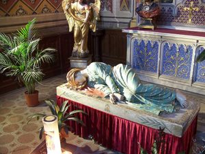 Estatua yacente de Cecilia en la catedral Sainte Cécile, en Albi (sur de Francia).