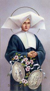 Imagen de la santa con su atributo iconográfico más conocido, la Medalla Milagrosa.