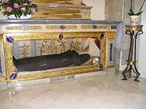 Cuerpo incorrupto de Santa Catalina Labouré. Con tratamiento de cera, su cuerpo se encuentra en la Capilla de las Apariciones en la Rue du Bac (París).