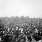 Fotografía del 13 de octubre de 1917, durante el llamado «milagro del sol» ocurrido en Fátima.