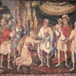 Tapiz del castillo de Chinon (Francia) representando a Juana reconociendo a Carlos VII entre la muchedumbre.