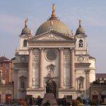 Basílica de María Auxiliadora en Valdocco, Turín, construida por Don Bosco a partir de 1860.