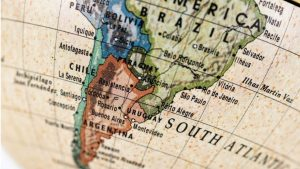 La Guerra de la Triple Alianza que enfrentó a Paraguay con Argentina, Brasil y Uruguay se extendió entre 1865 y 1870.