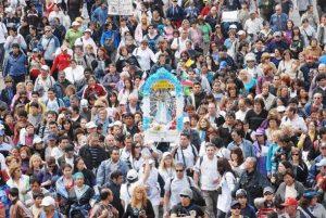 La Peregrinación Juvenil a Pie a Luján es la mayor manifestación de fe popular en la Argentina.