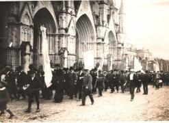 Primera peregrinación al santuario de Luján, en 1893.